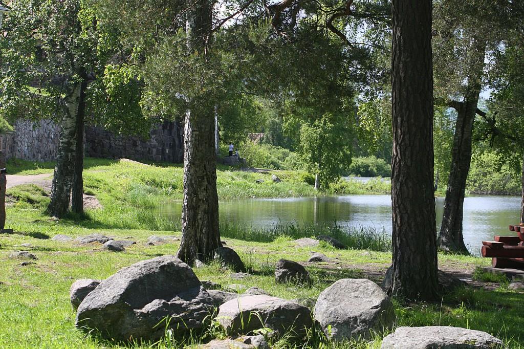 У крепости Корела